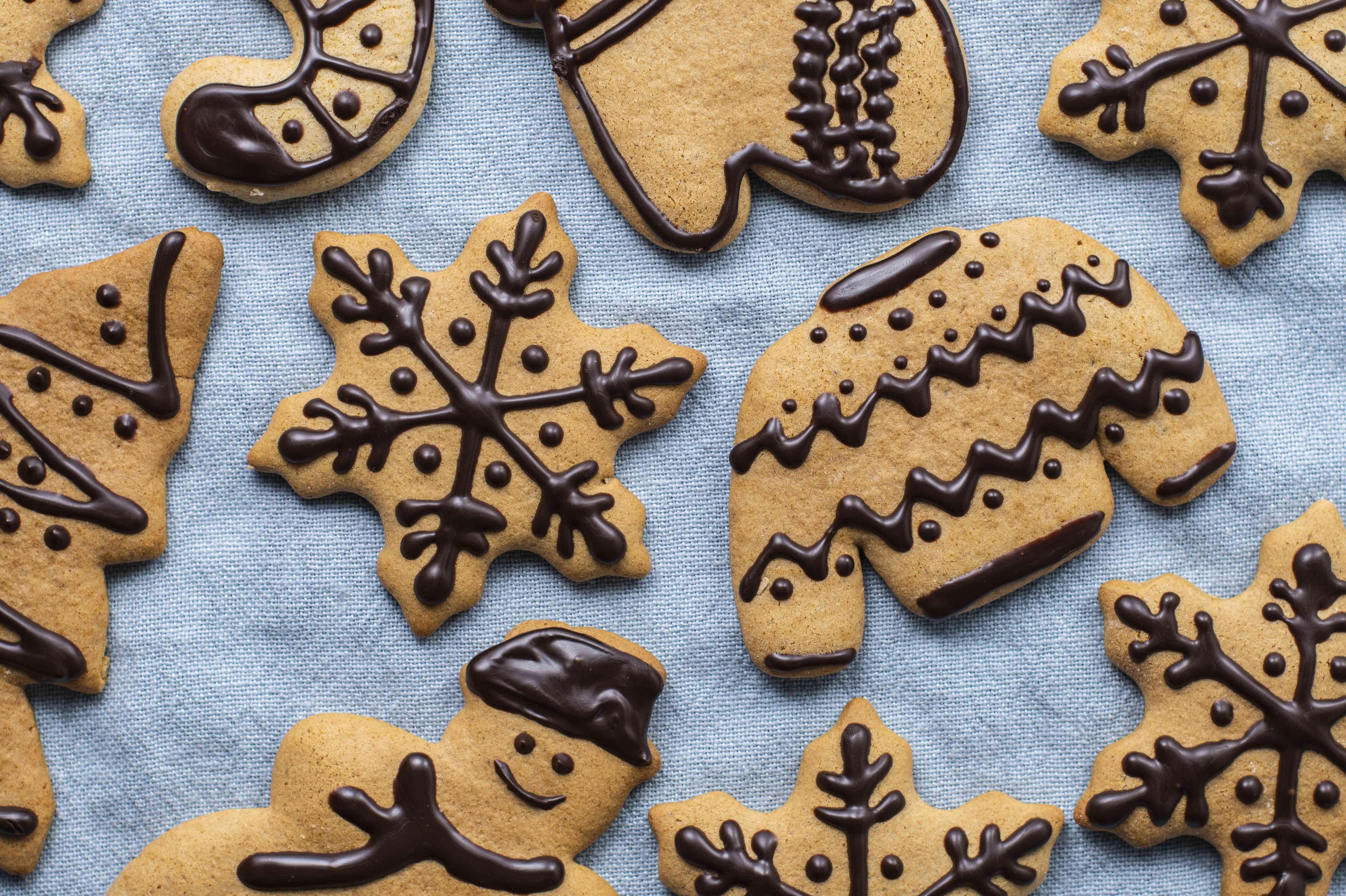 Ice gingerbread cookies