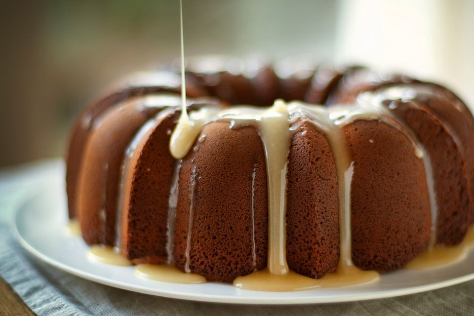 Bundt cake with glaze