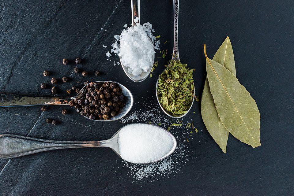 Ingredients for smoked turkey brine