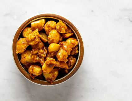 Easy Caramelized Macadamia Nuts