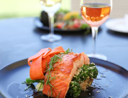 best-wine-with-salmon
