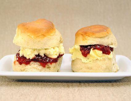 Clotted cream scones