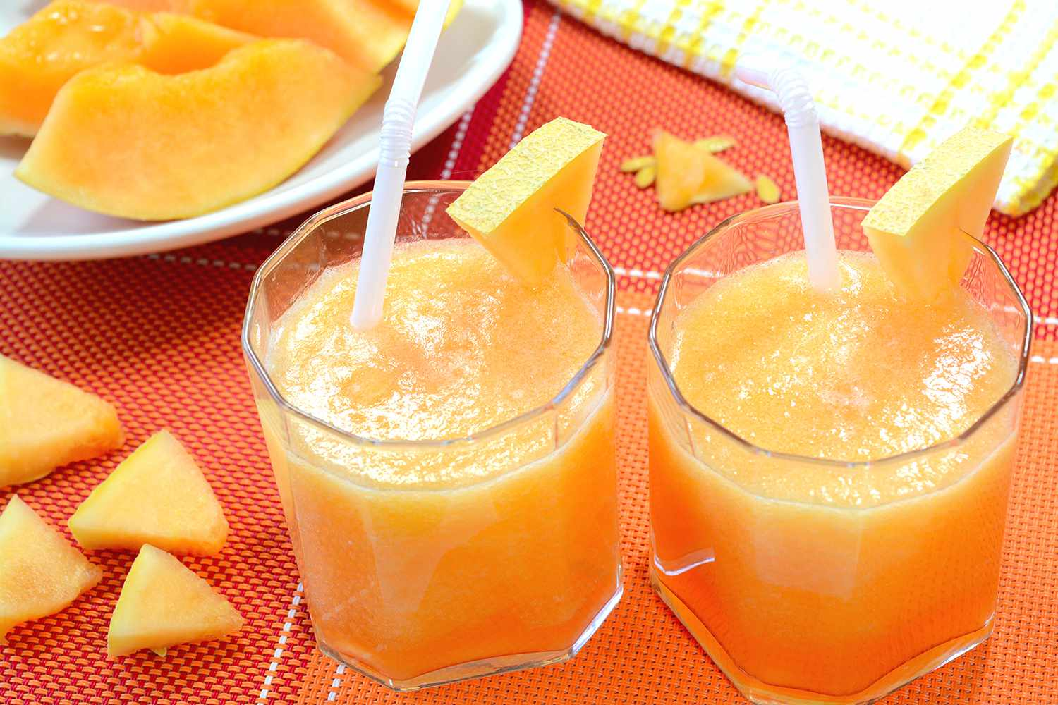 Freshly prepared cantaloupe juice also known as muskmelon juice.
