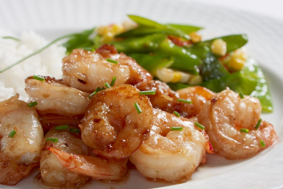 Stir-fried shrimp with ginger and garlic