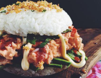 A spicy tuna and avocado sushi burger