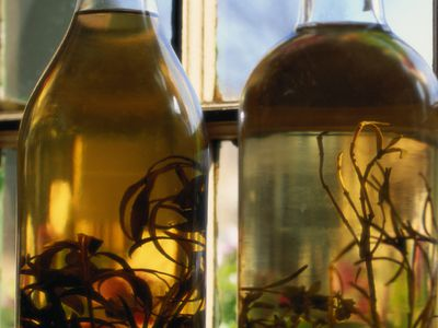 How to Make Herbal Tinctures Using Vinegar