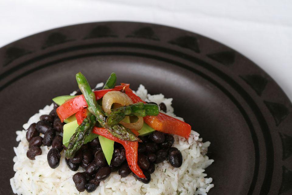 Vegetariano básico Frijoles negros y arroz