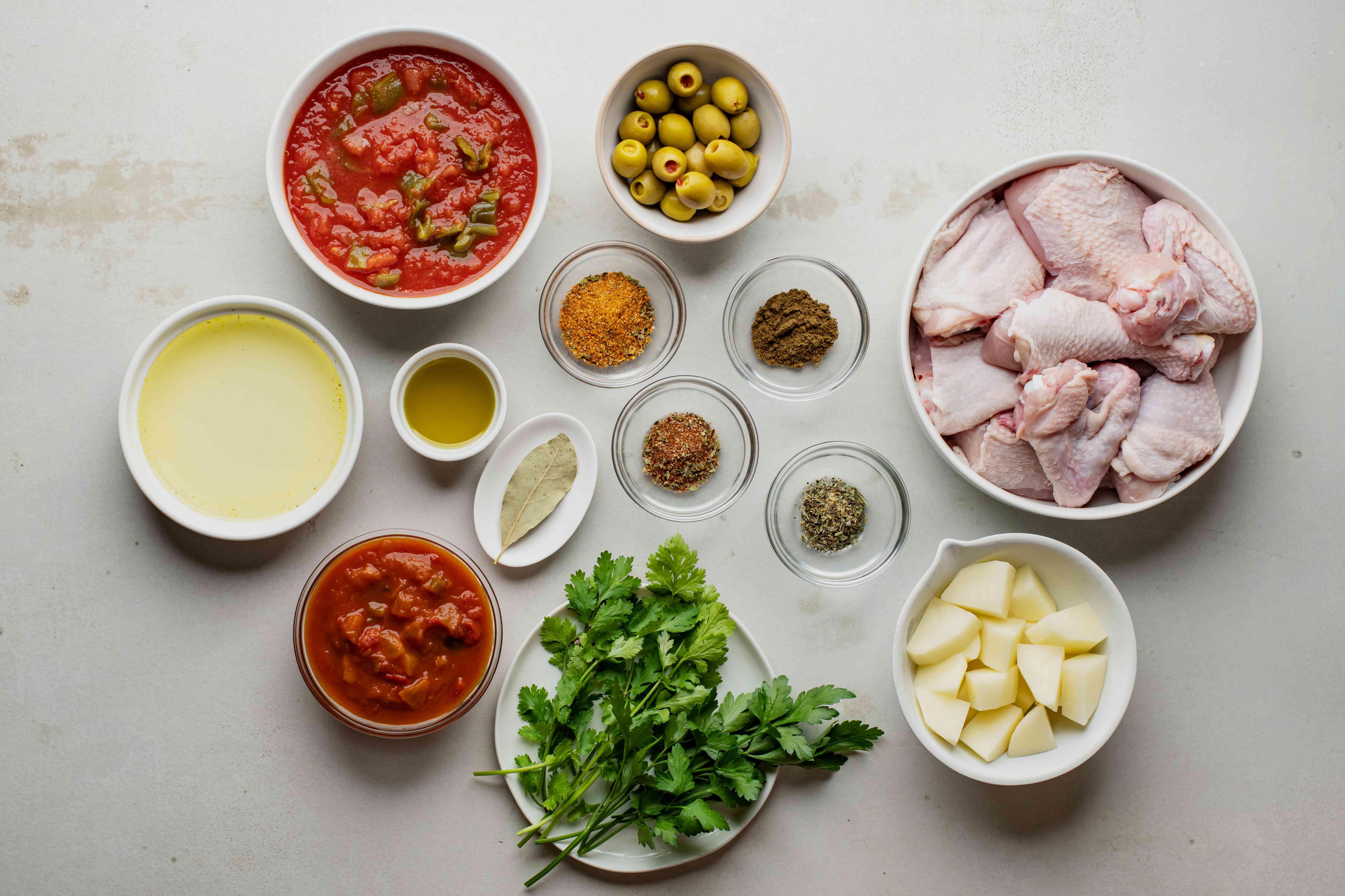 Ingredients for pollo guisado