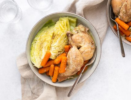 Slow Cooker Garlic Chicken With Cabbage