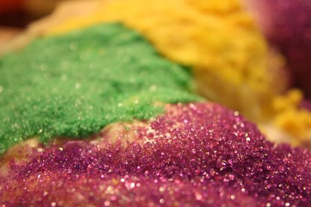 Adding Sparkle And Glitter To Cakes