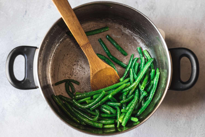 Green beans with salt