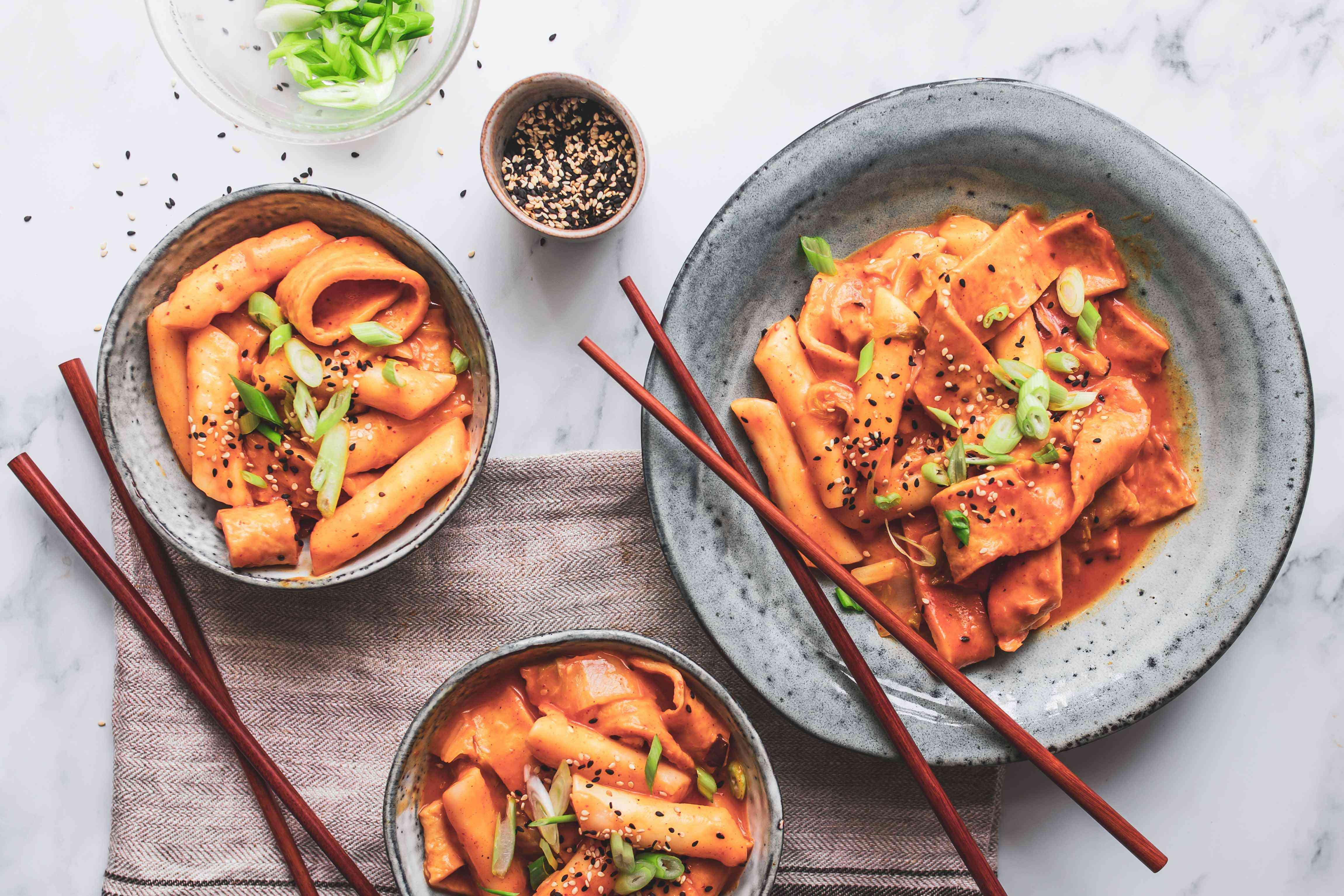 Spicy Korean rice cakes duk boki
