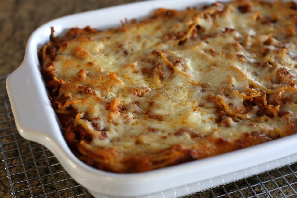 Spaghetti Casserole With Mozzarella Cheese
