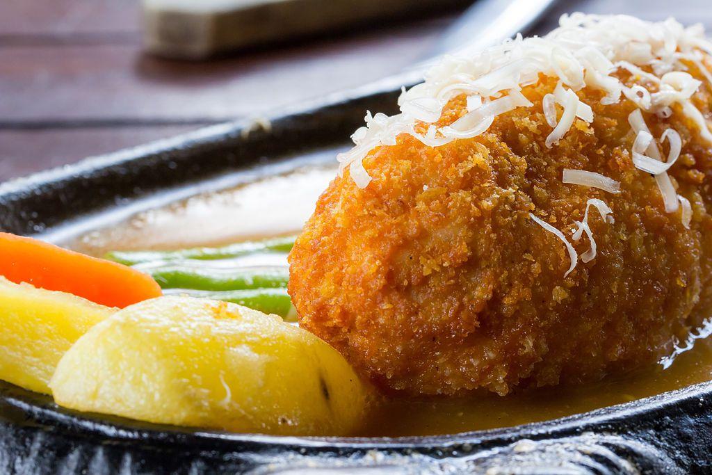 Cornflake-Crusted Chicken Cordon Bleu