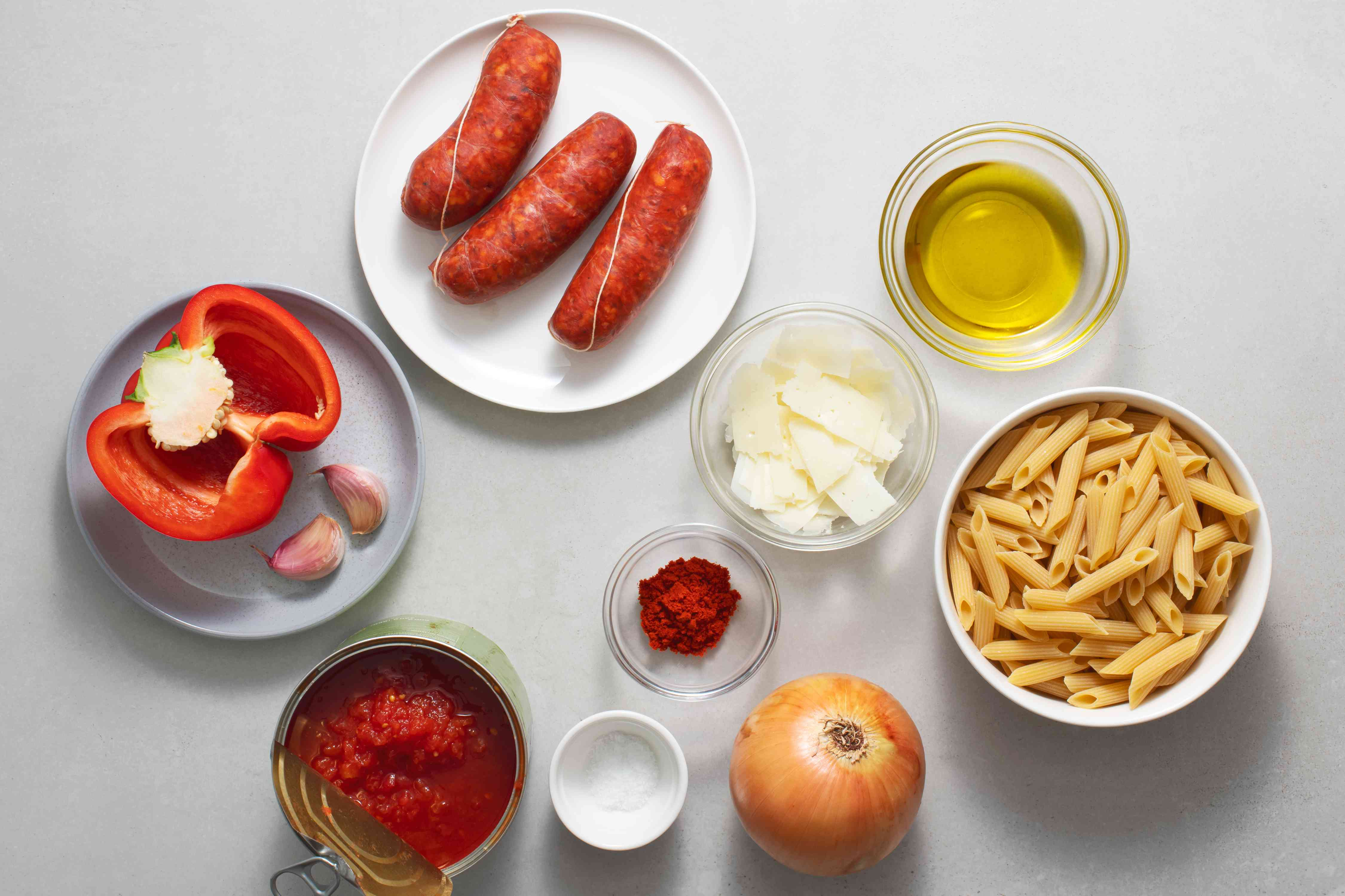 Spanish Pasta With Chorizo and Tomatoes ingredients