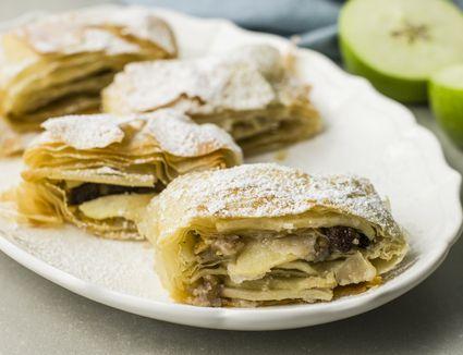 Klara's traditional Croatian apple strudel recipe