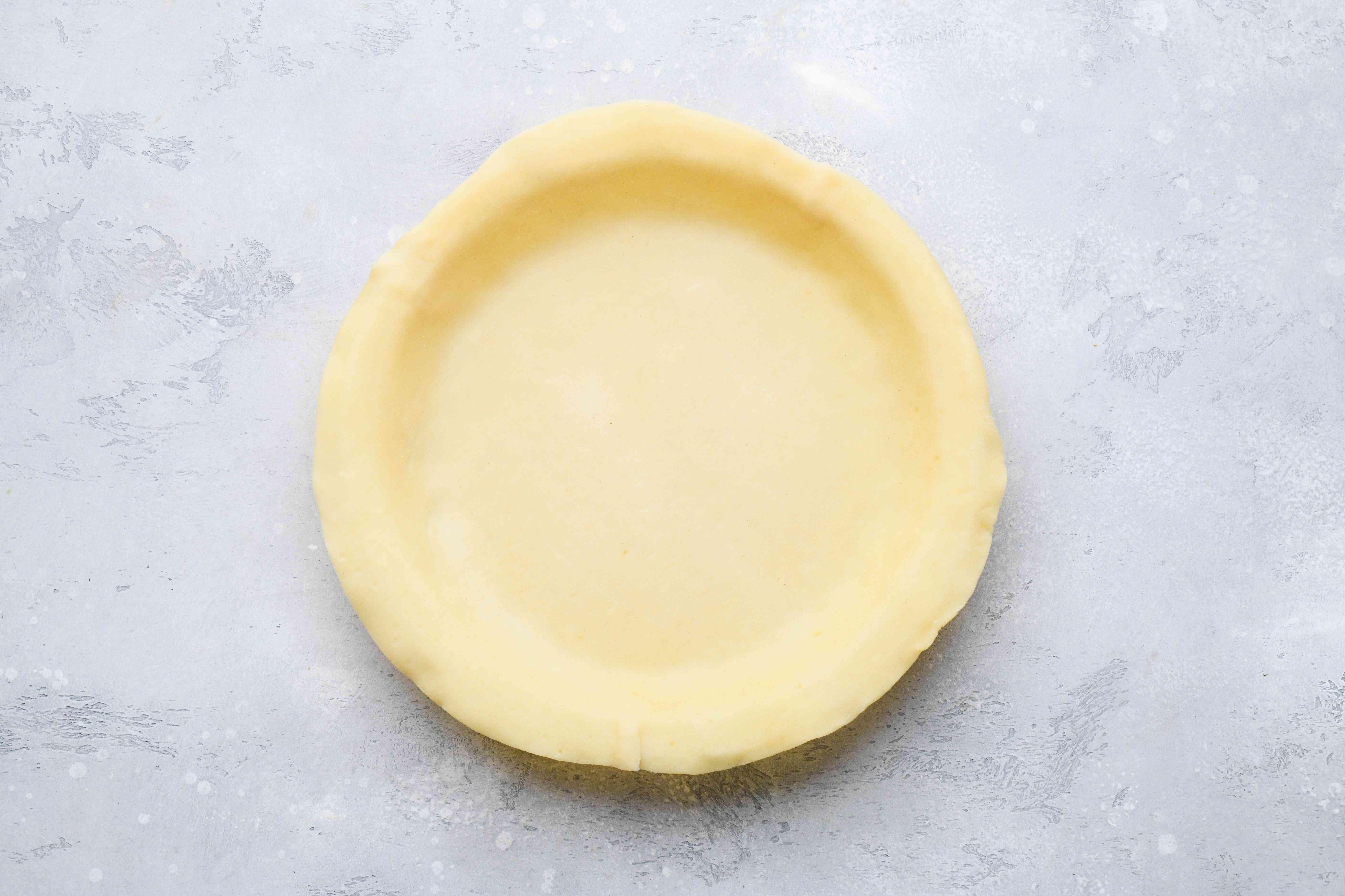 pie crust in a pie pan