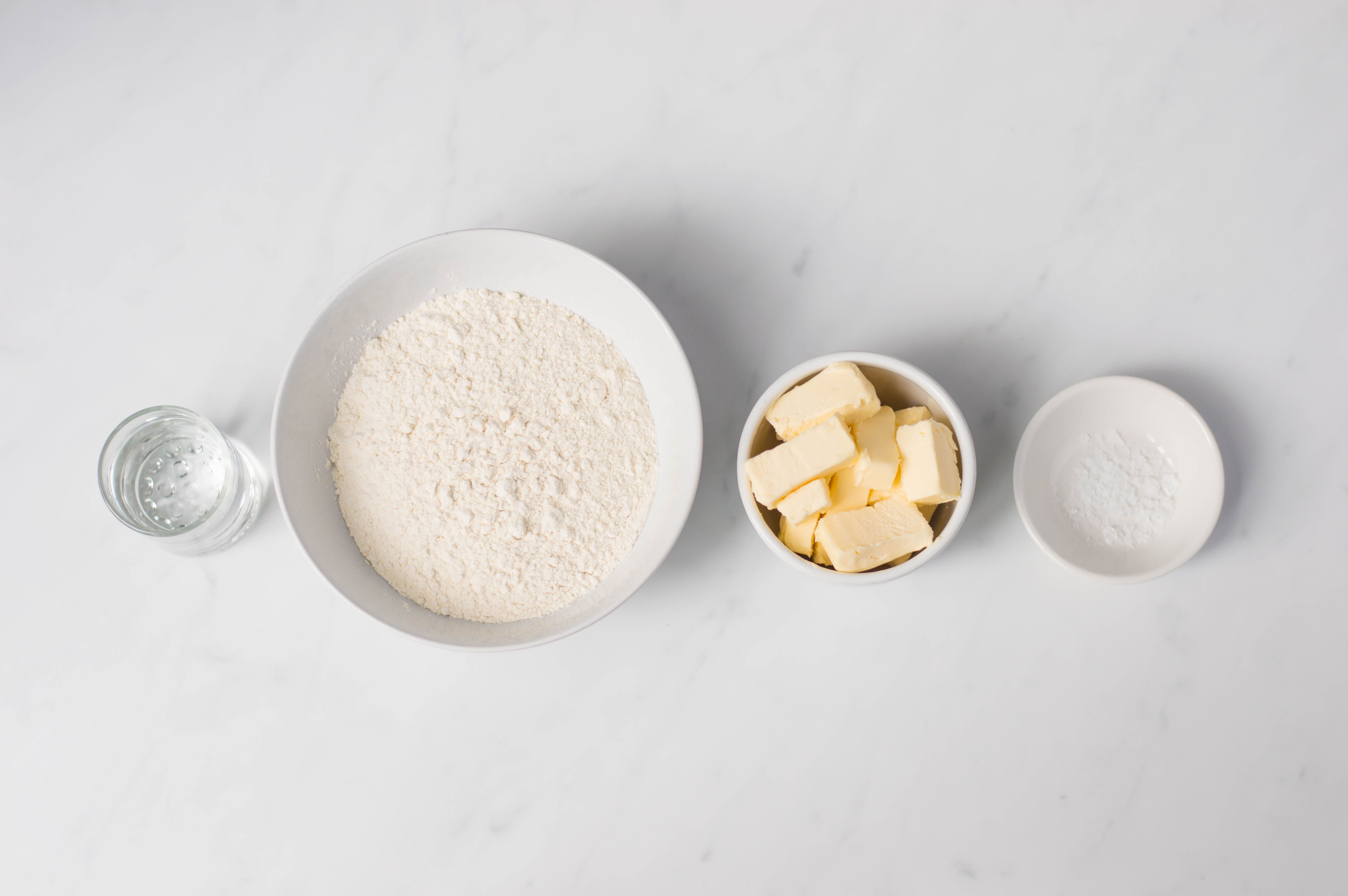 Ingredient to make a crust for cheese and onion flan
