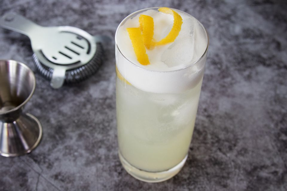 Classic Gin Fizz With Lemon Twist
