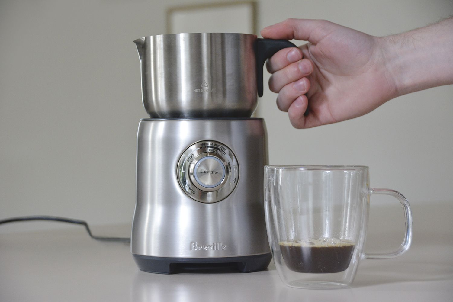 breville-milk-cafe-milk-frother-process