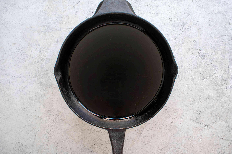 Heat the oil in a frying pan