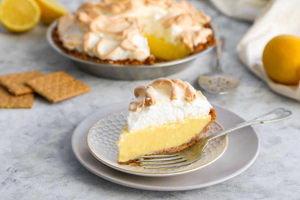 Graham Cracker Crust Lemon Meringue Pie
