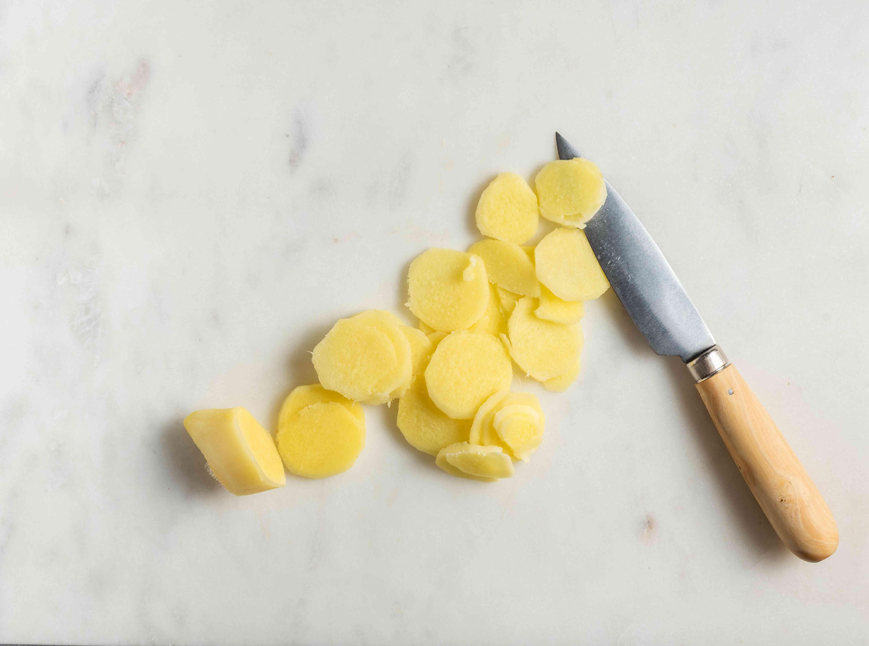 Prepare the ginger