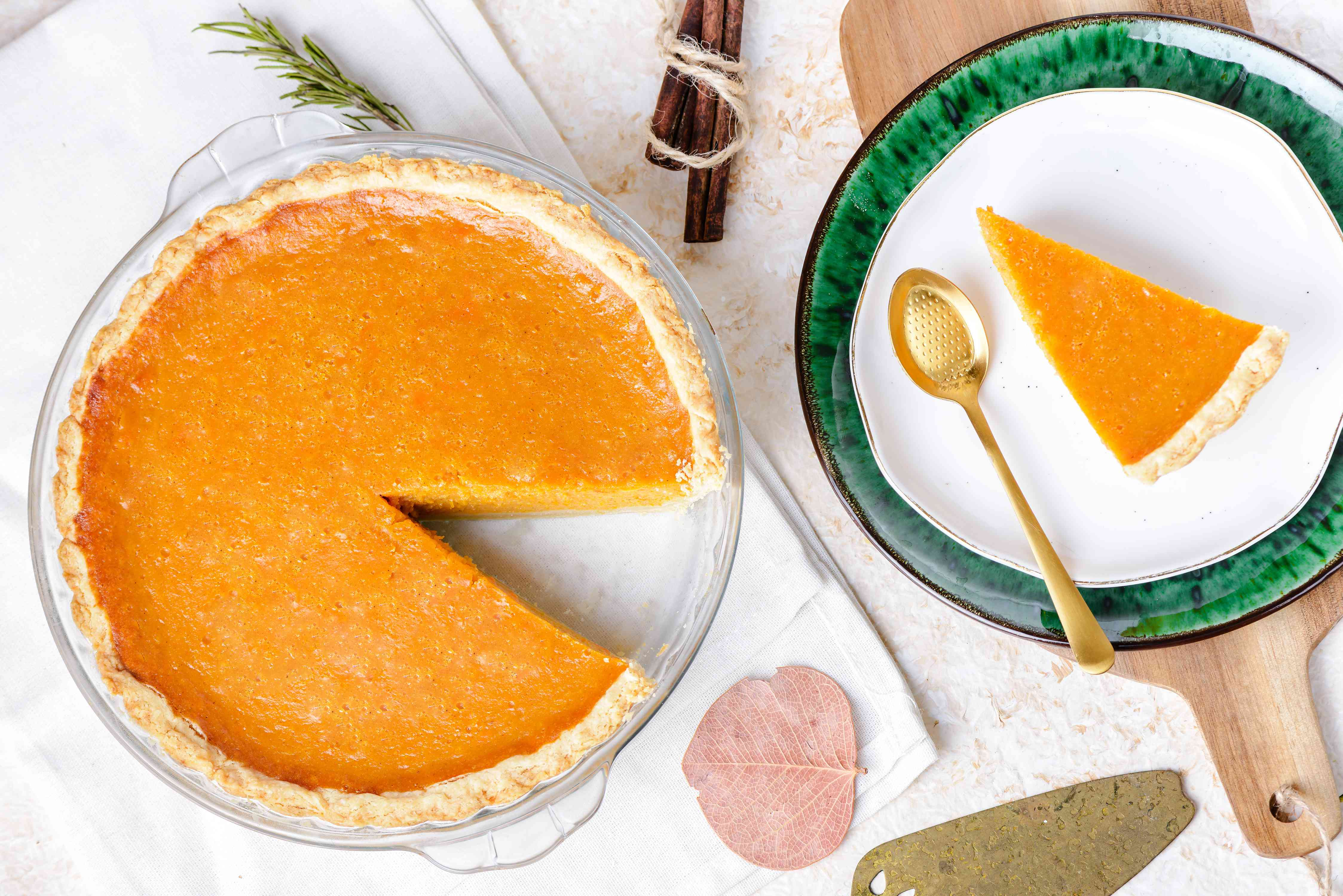 Let cool and serve pumpkin pie.