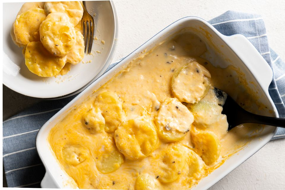 Easy Microwaved Scalloped Potatoes
