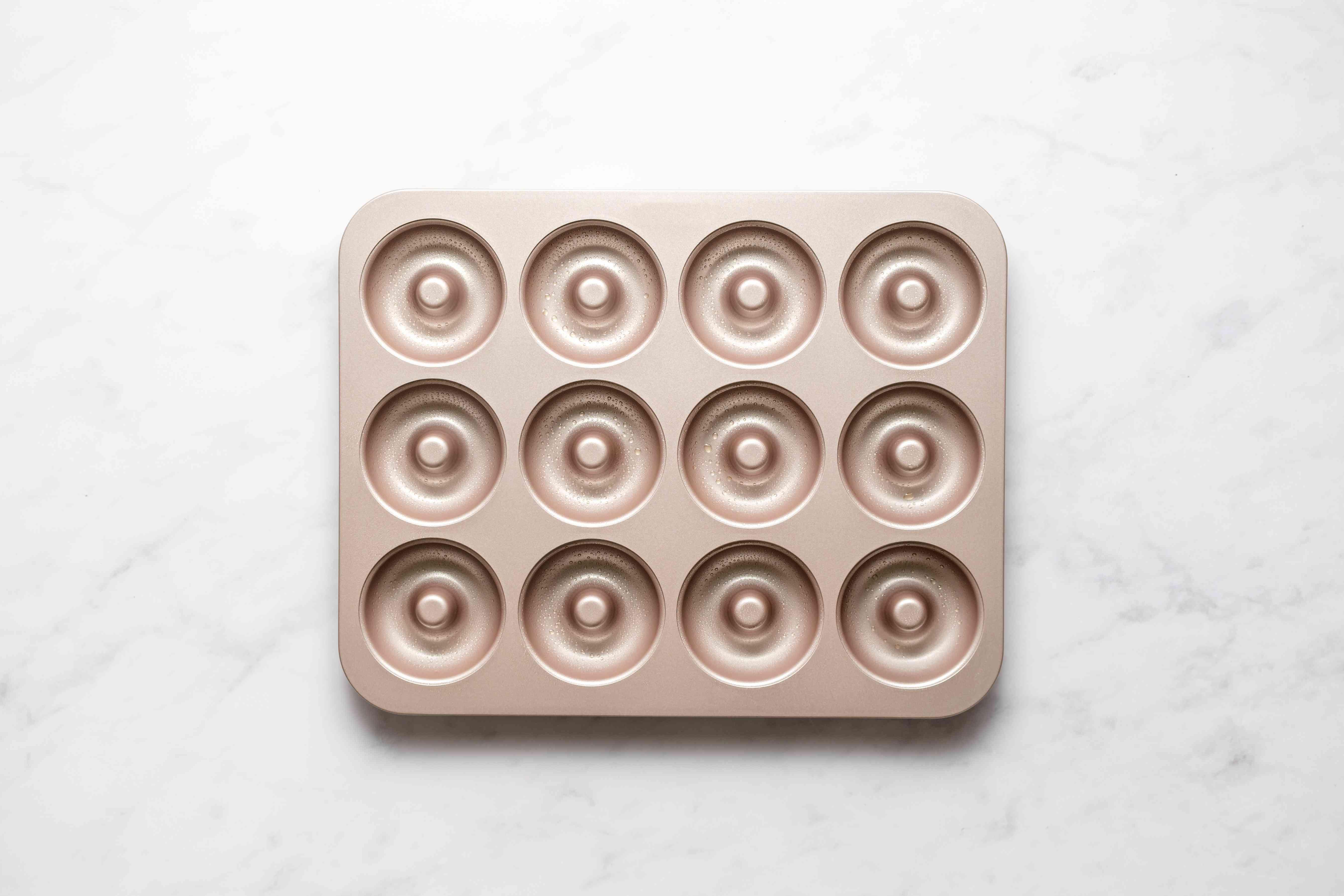 greased doughnut pan