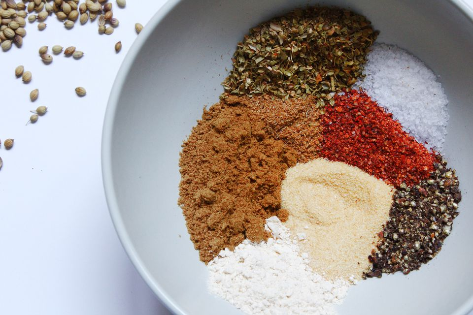 spices for homemade sazon seasoning