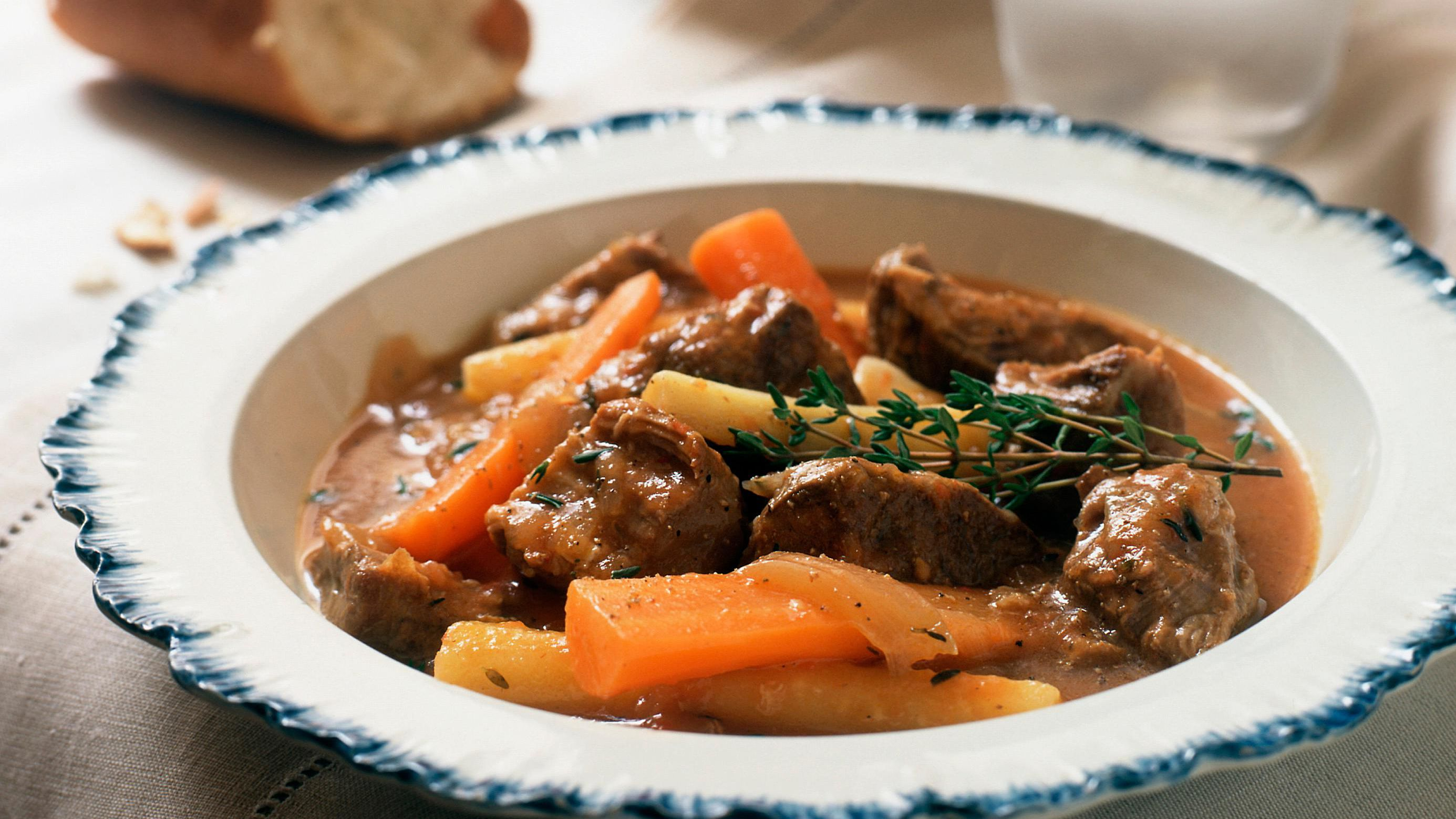 Crock Pot Beef Stew Recipe With Tomatoes And Red Wine