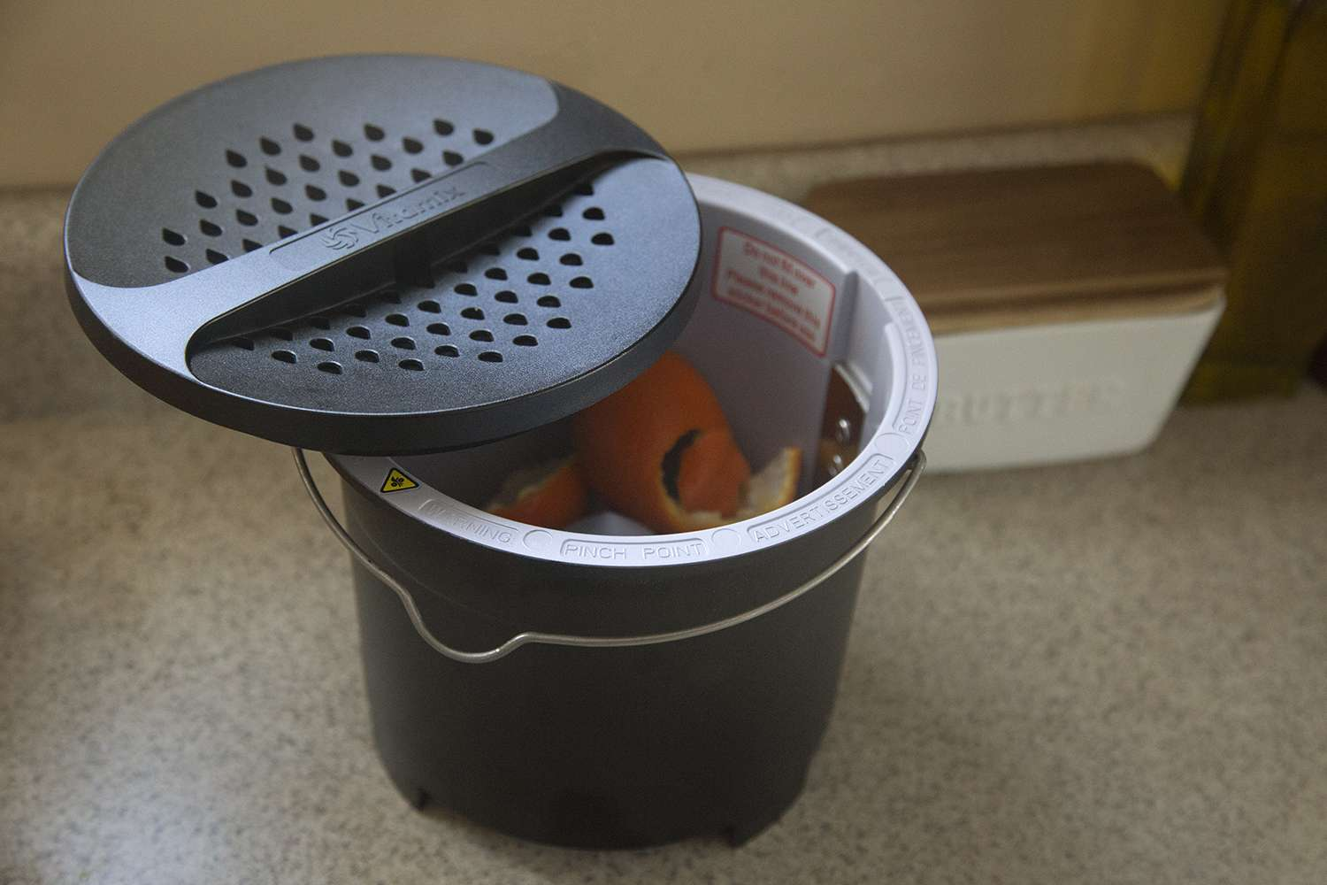 Vitamix-Foodcycler-FC-50-compost
