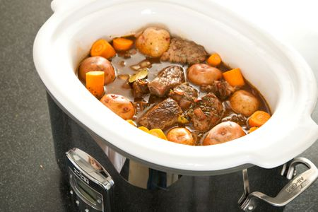 Hazards of Using a Delayed-Start Timer With a Slow Cooker