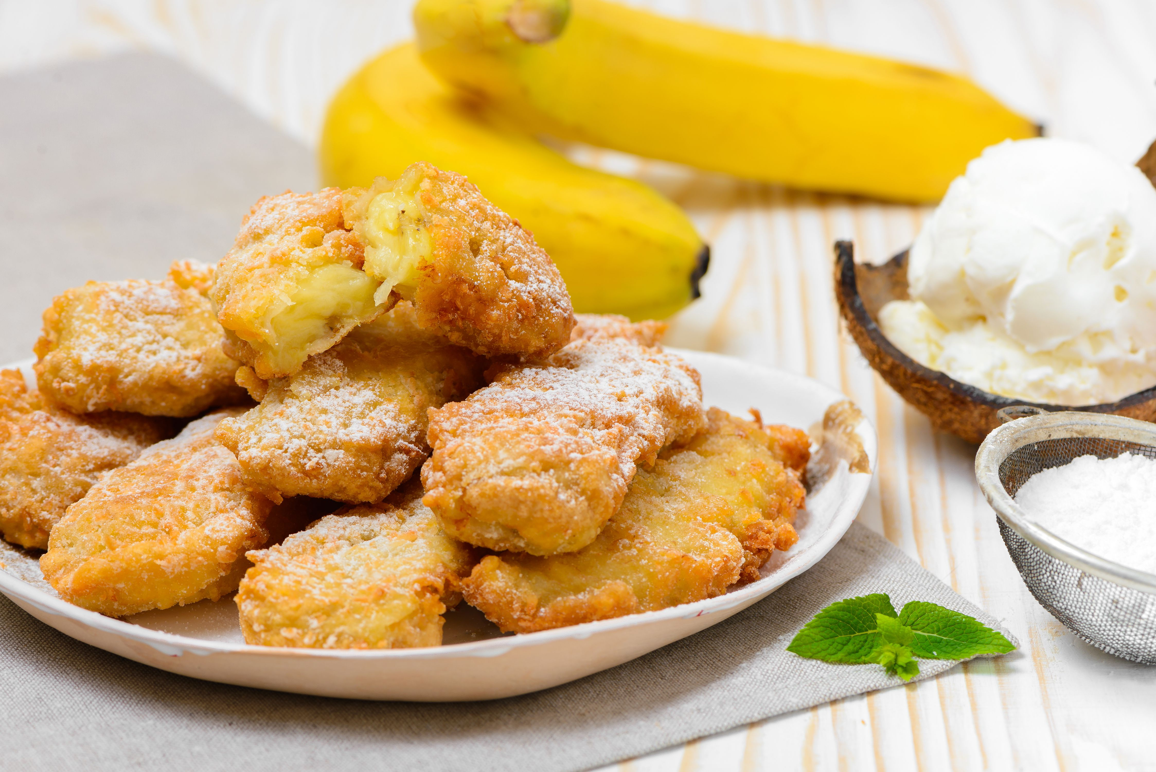 Try Fried Bananas, an Irresistible Thai Dessert and Snack Food