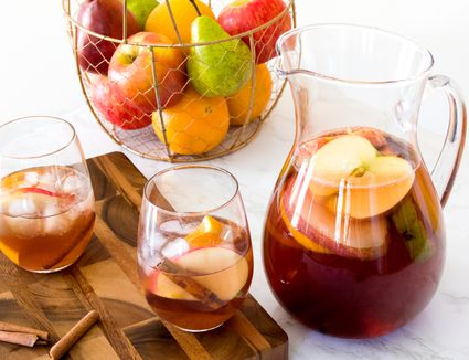 Fall Sangria for Thanksgiving
