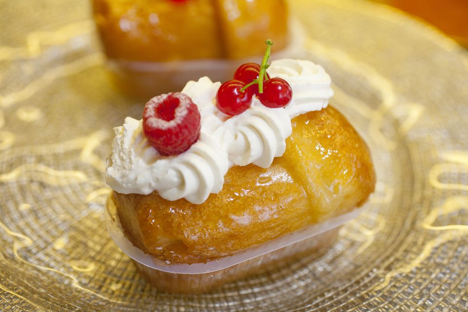 Classic french rum baba baba au rhum recipe rum baba forumfinder Image collections
