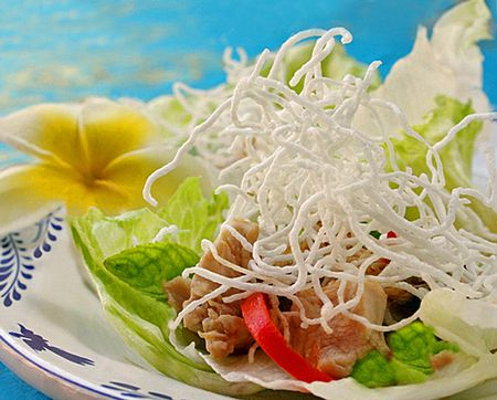 Thai crispy rice noodles recipe lettuce wraps with crispy noodle topping crunchy munchy good ccuart Gallery
