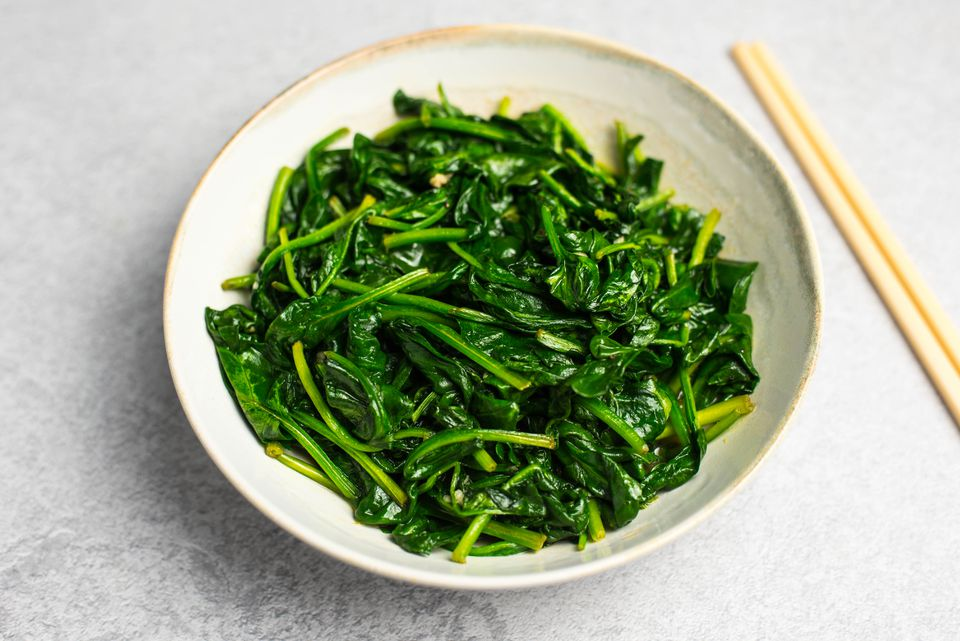 Stir fry spinach with garlic recipe
