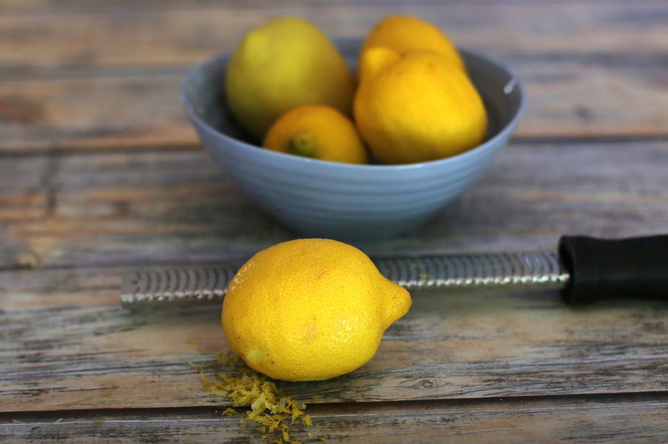 Lemon Zest for Dessert Sauce