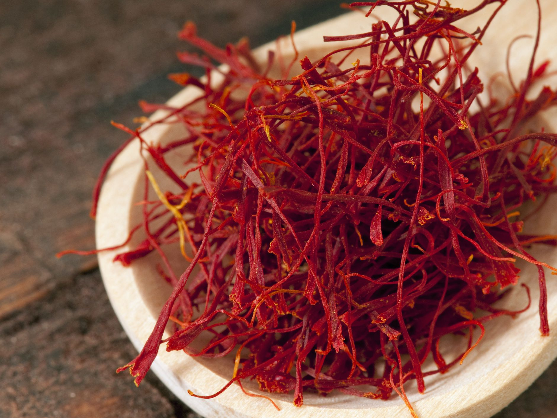 Saffron Threads Facts Selection And Storage