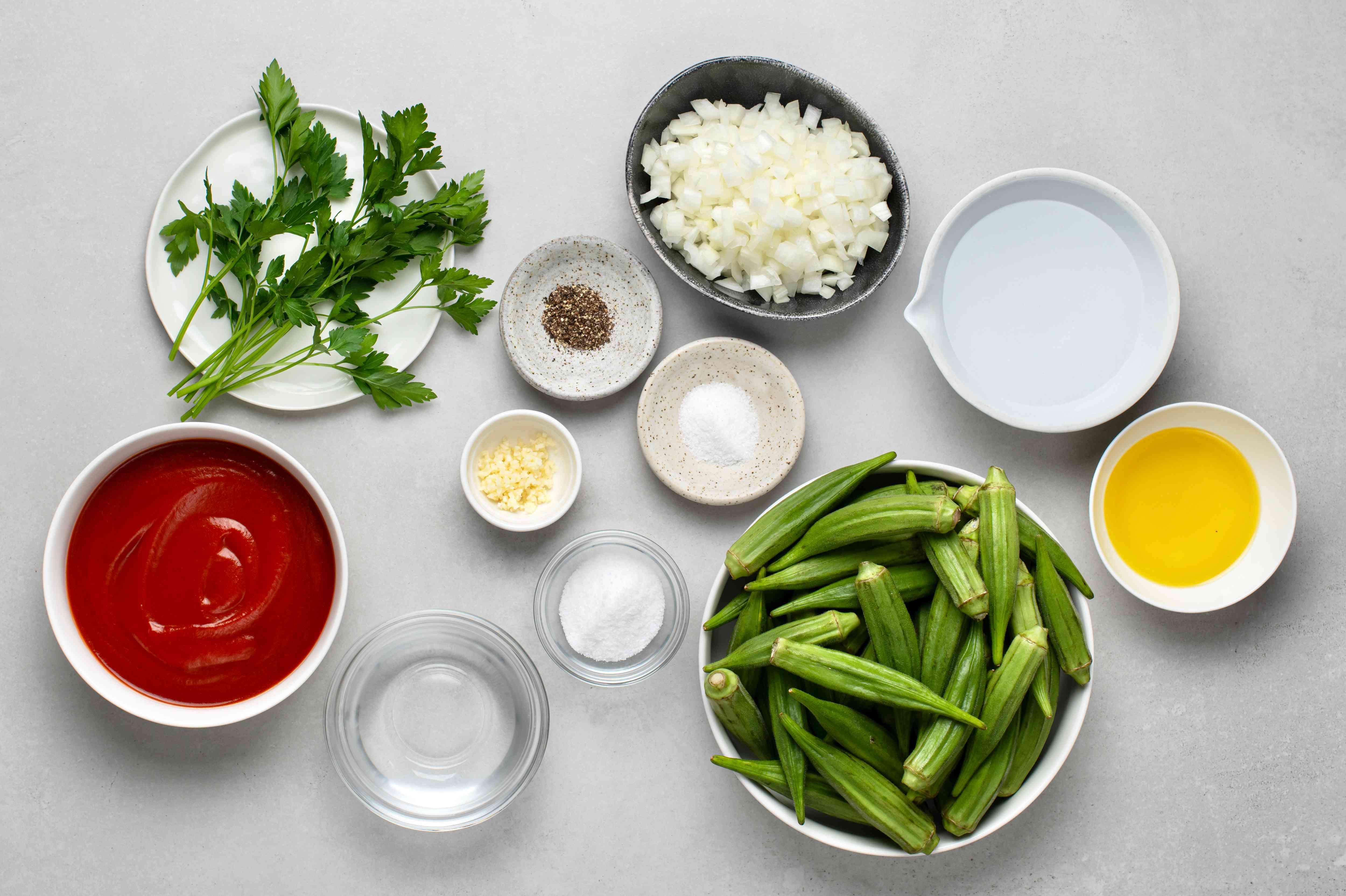 Bamies Latheres me Domata: Stewed Okra in Tomato Sauce ingredients