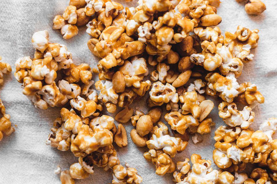 Easy Baked Caramel Popcorn