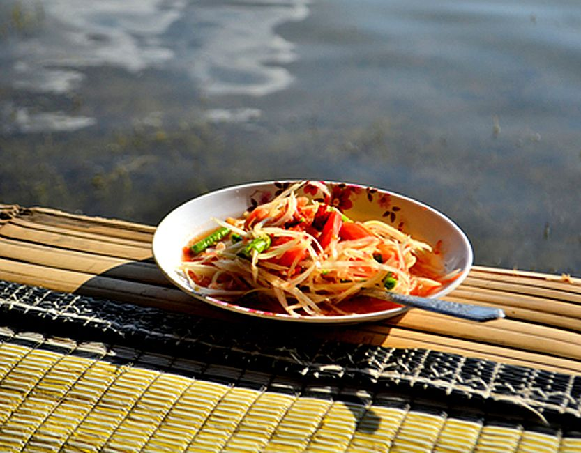 Try Som Tam, a Popular Green Papaya Salad in Thailand
