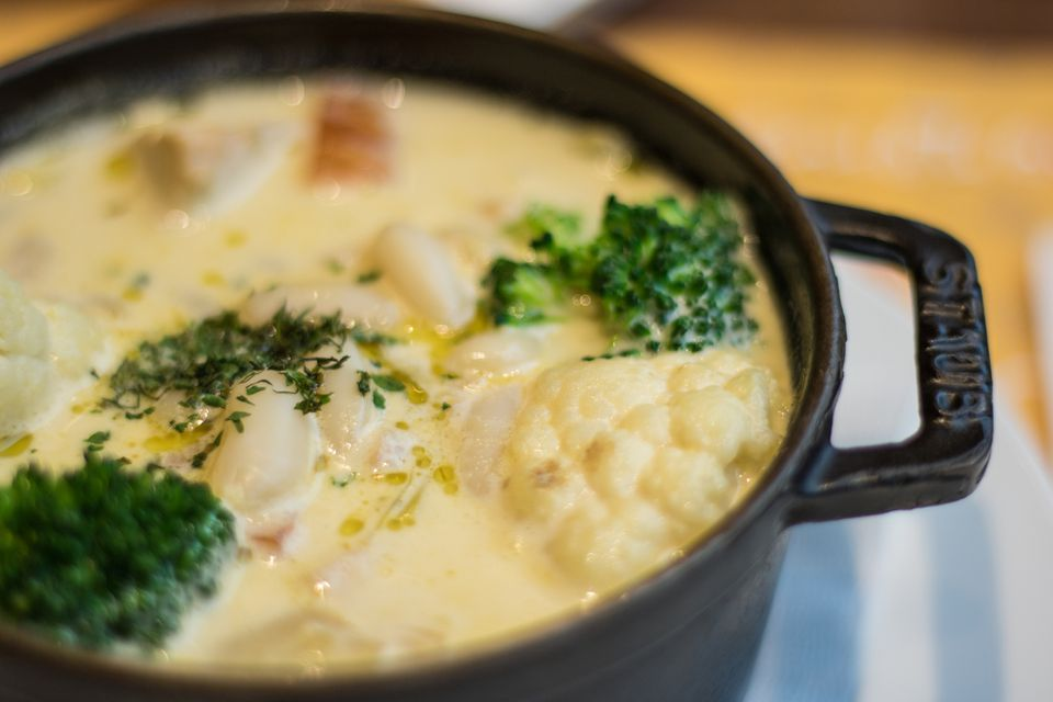 Cream of cauliflower soup with parsley