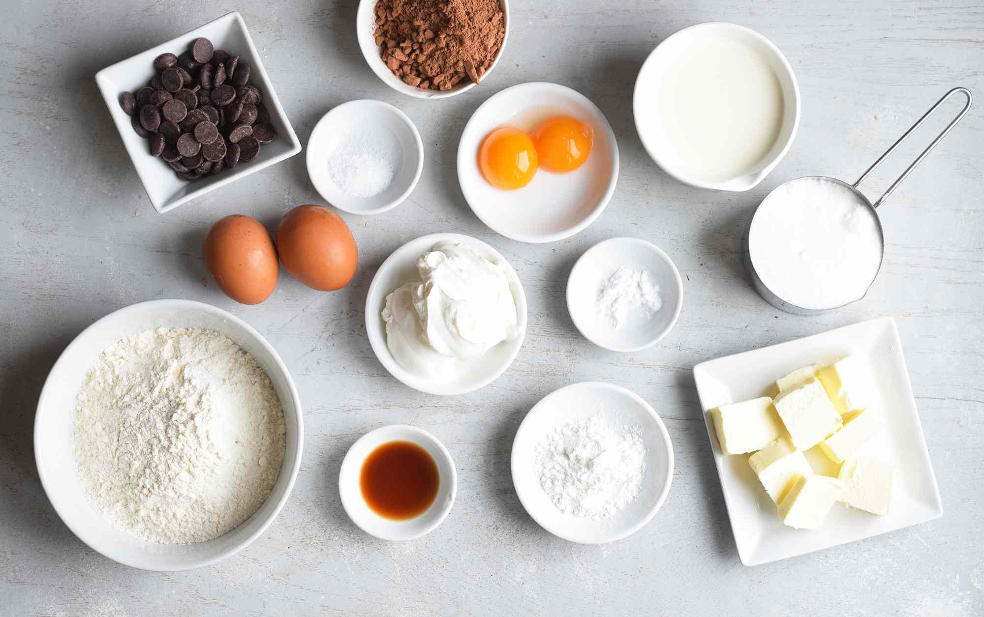 Football cupcake ingredients