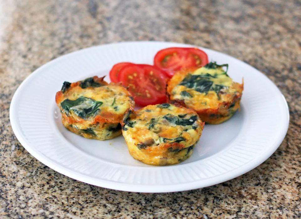 Mini Crustless Spinach and Mushroom Quiches