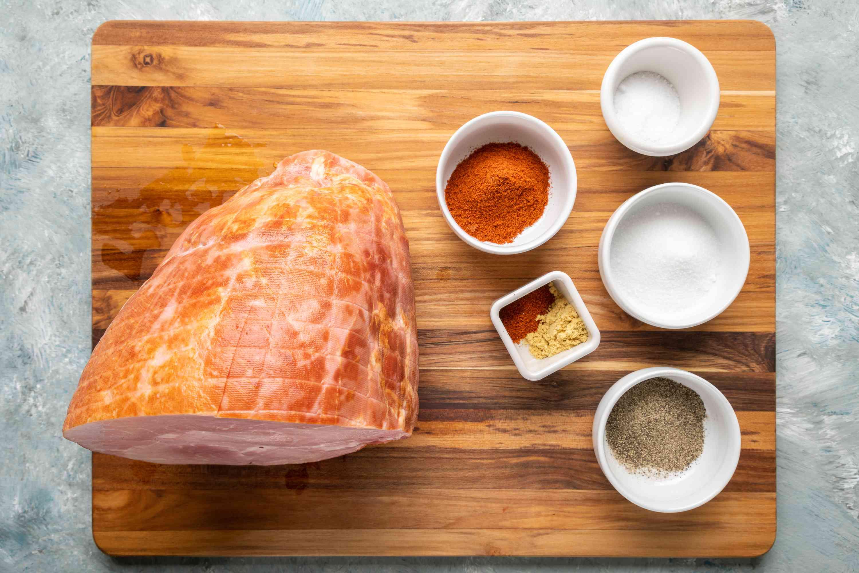 Dry rub ingredients for honey-glazed ham