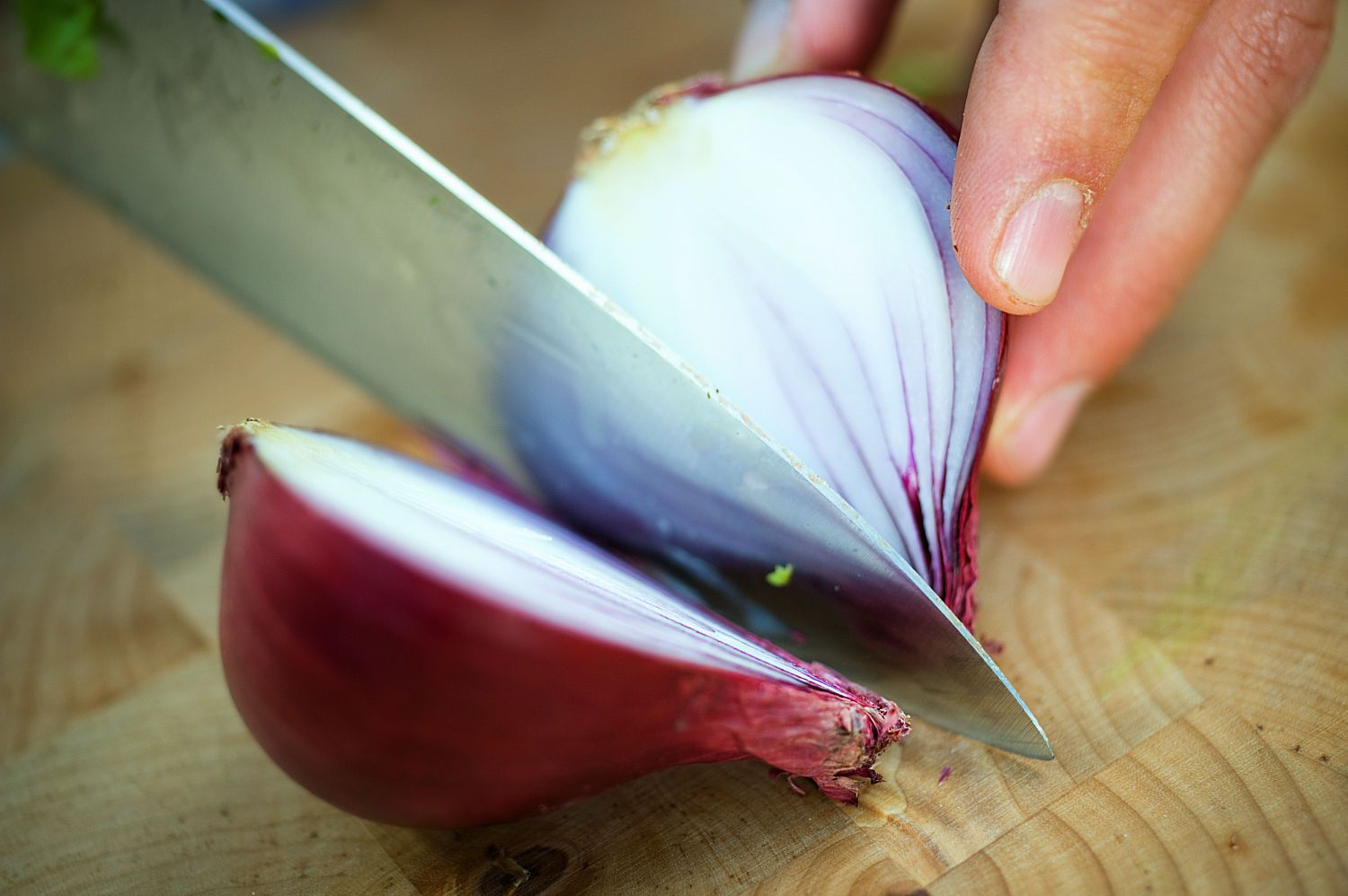 Slicing Red Onion
