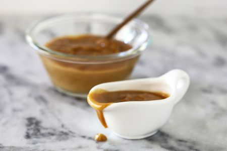 easy peanut butter sauce for ice cream and desserts